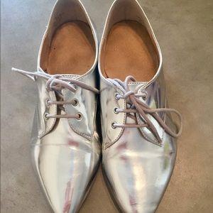 Shoes - SILVER METALLIC LACEUP Flats